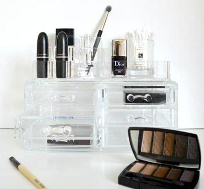 Make up organizer 2